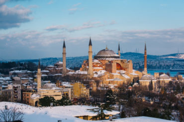 Travelling and Gastronomy Guide In Istanbul In Winter